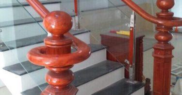 thi công cầu thang kính tại đà nẵng